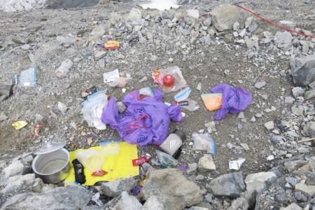 Rubbish at the Brazilian's tent platform at Camp 1