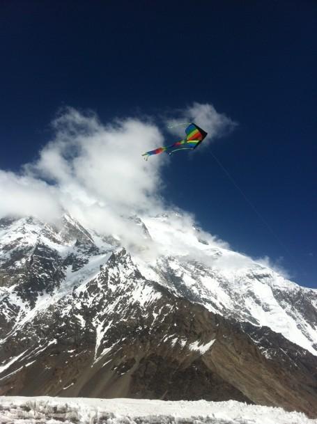 flying kite concordia broad peak